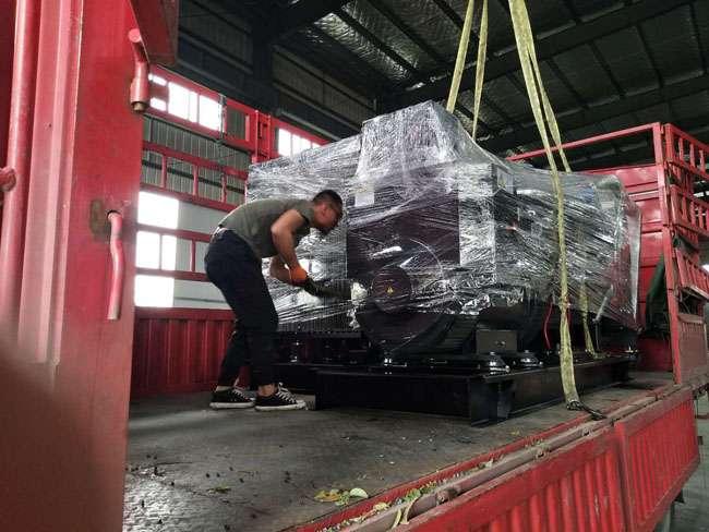 2台350KW卡得城仕柴油fa电机组diao试合格fa往甘肃