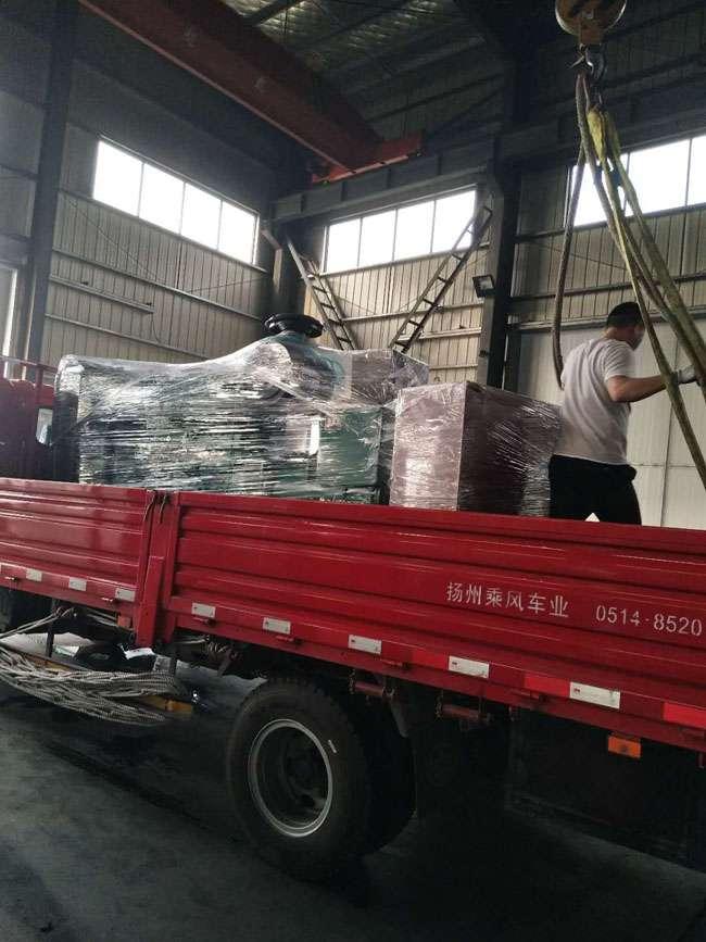 250KW重庆康ming斯柴油fa电机组diao试合格fa往湖南
