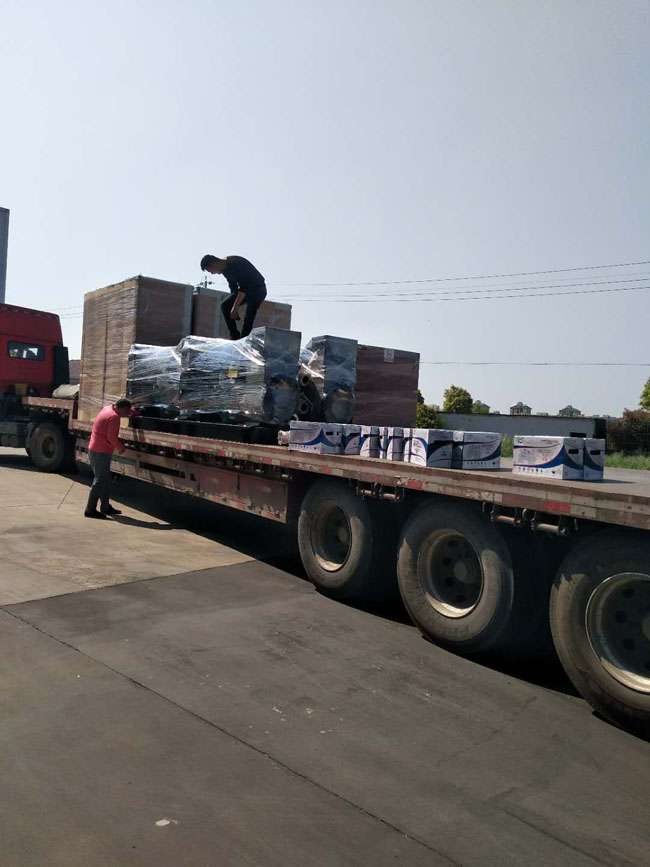 6台50KW东feng康ming斯柴油fa电机组diao试合格fa往浙江